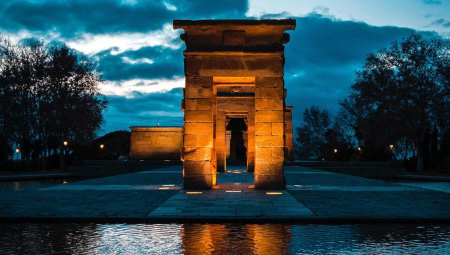 Los Monumentos Se Tiñen De Rojo Por Síndrome Del 22q