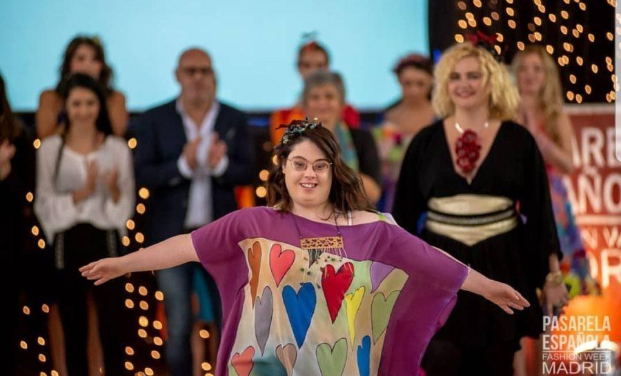 Joyas Entendidas Como Pequeñas Obras De Arte, En El Desfile Inclusión Y Moda