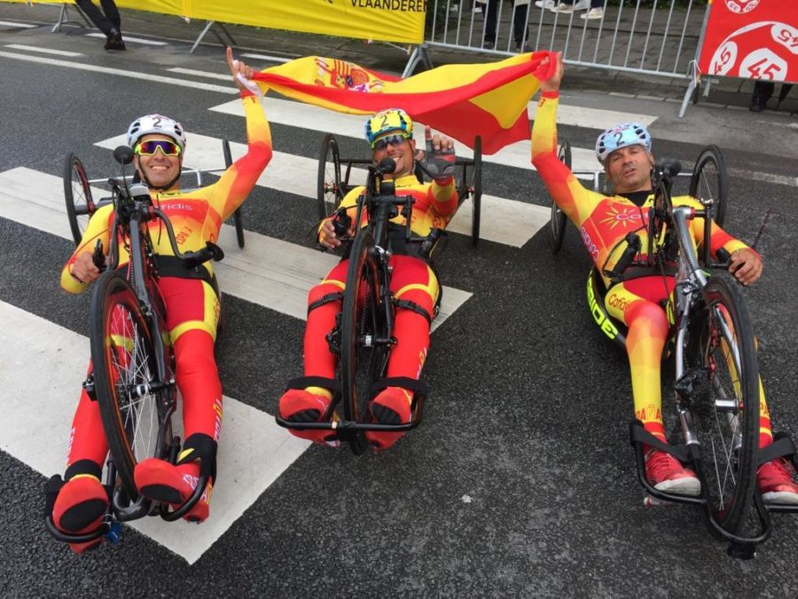 El Equipo De Ciclismo Llena Su Botín De Preseas En La Copa Del Mundo