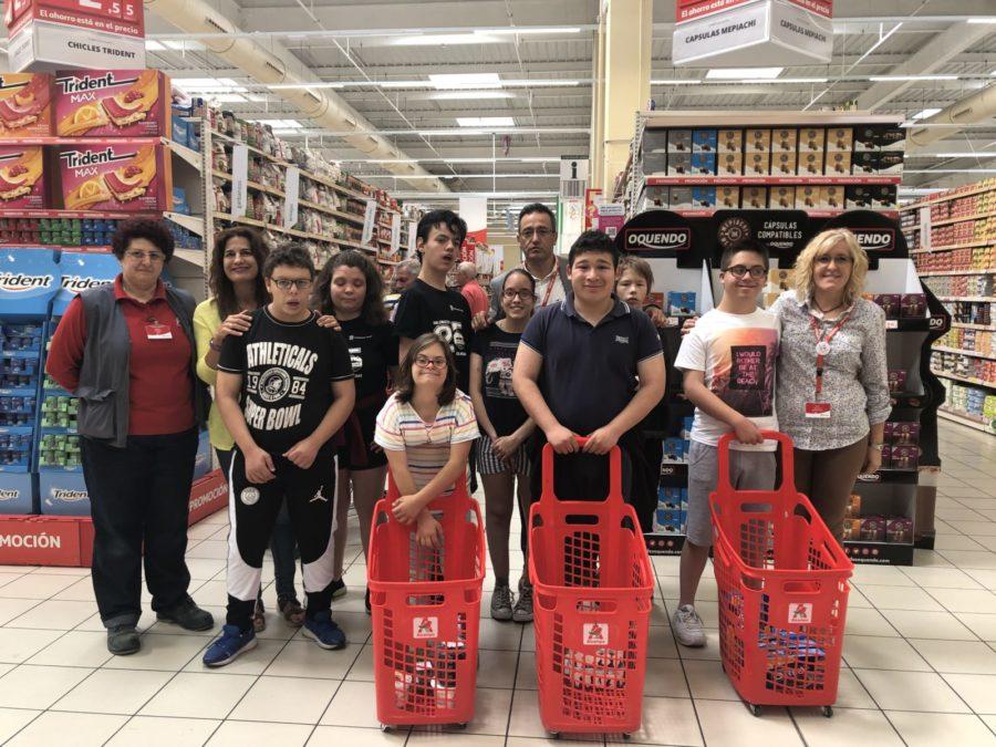 Auchan Retail España, Con 600 Personas Con Discapacidad Contratadas, Top Employer 2020