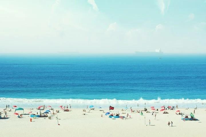 Cómo Luchar Contra Los Rebrotes De COVID-19 En Playas, Piscinas Y Ríos