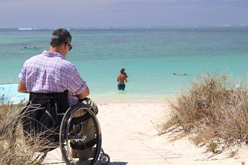 El 70% De Los Nuevos Casos Diagnosticados De Esclerosis Múltiple Corresponden A Personas De Entre 20 Y 40 Años