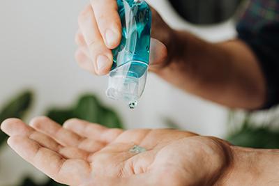 Dermatitis O Acné, La Otra Cara De Las Mascarillas Y El Gel Hidroalcohólico